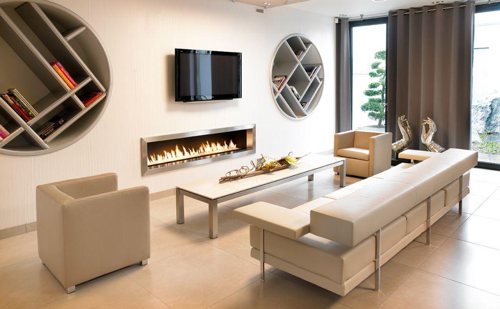 atry home chemin es et po les 06 installation de chemin e avec foyer gaz panoramique sur le 06. Black Bedroom Furniture Sets. Home Design Ideas